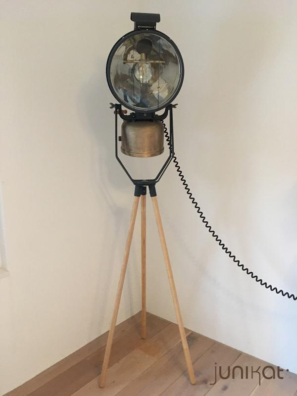 "Tilley FL6 ""Floodlight Projector"""